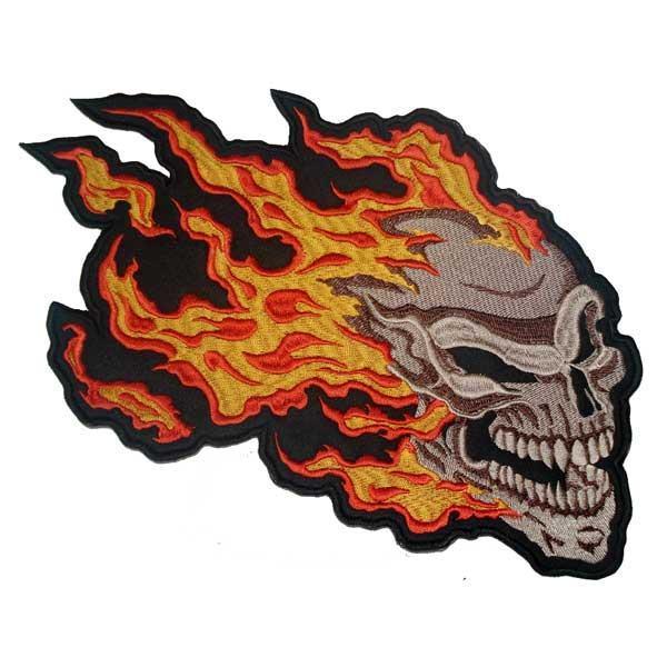 Našitek Lobanja z ognjem